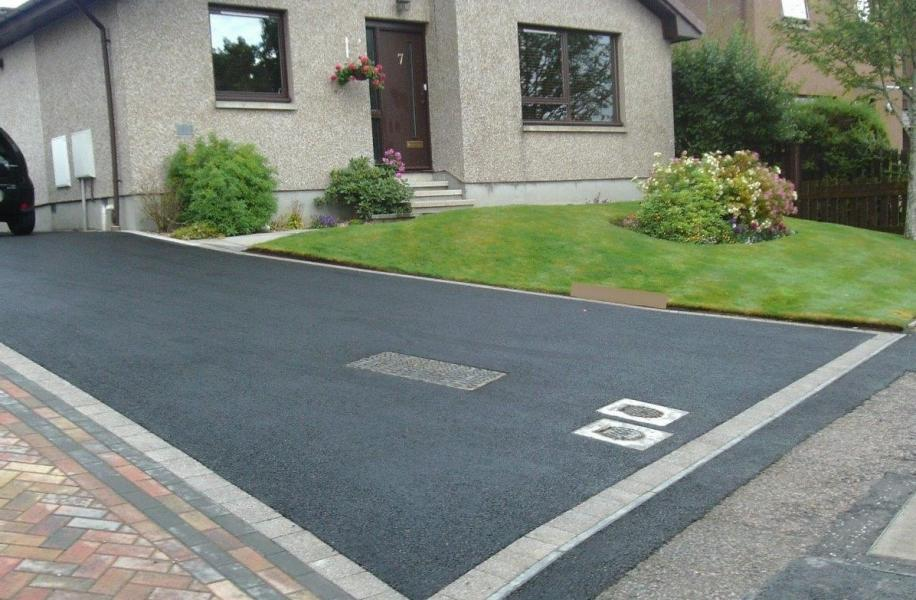 Tarmac driveway with paved edging